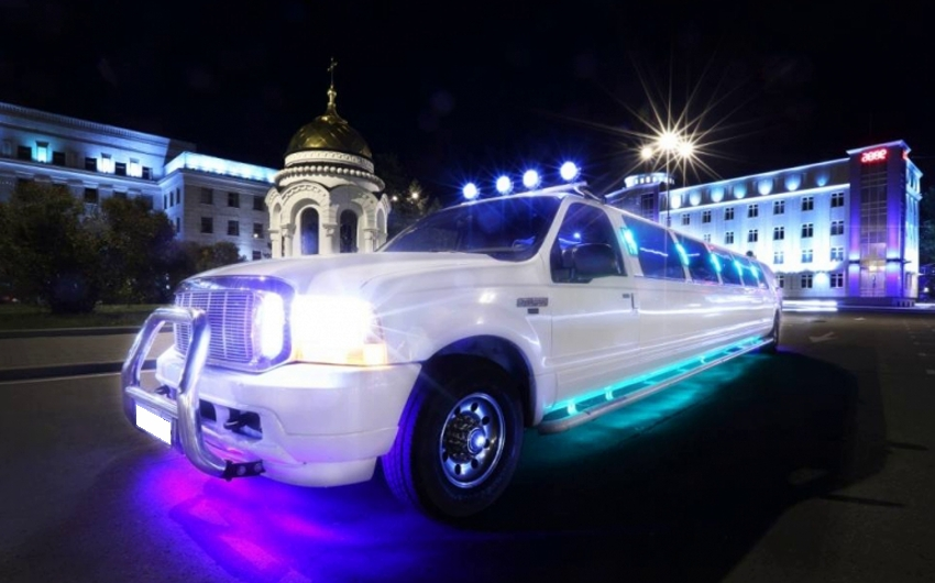 Ford Excursion 24 места